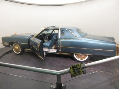 1280px-Custom_Cadillac_El_Dorado_built_for_Isaac_Hayes